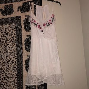 Stunning floral dress BNWT💕